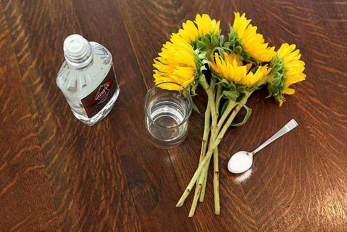 Как сохранить срезанные цветы свежими надолго: 8 главных секретов