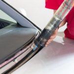 Какой выбрать клей для автомобильного стекла?