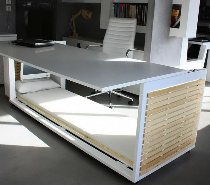 Подарок для лентяев: стол-кровать