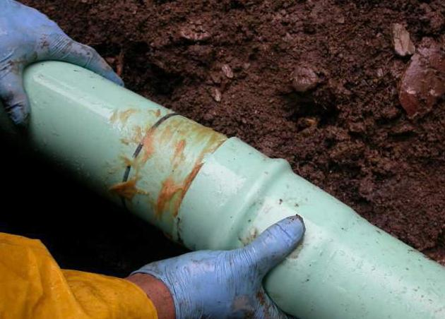 Правильная прокладка канализации в частном доме своими руками