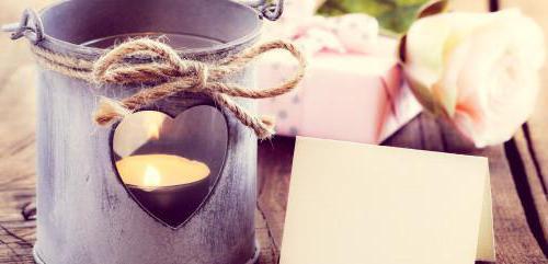 Жестяная свадьба: что подарить супругам?