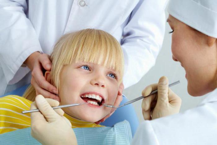 Нужно ли лечить молочные зубы: советы стоматолога