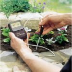 Измеритель кислотности почвы и ее влажности: принцип работы, популярные модели