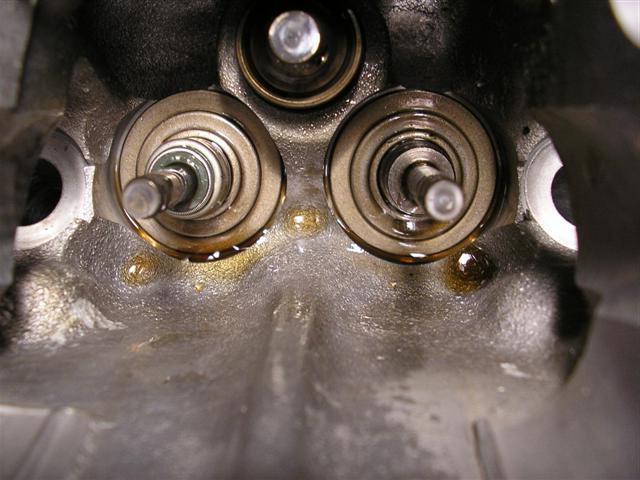 Замена маслосъемных колпачков без снятия головки. Сколько стоят маслосъемные колпачки?