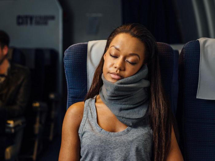 Как выспаться в самолете? Используйте эти простые советы
