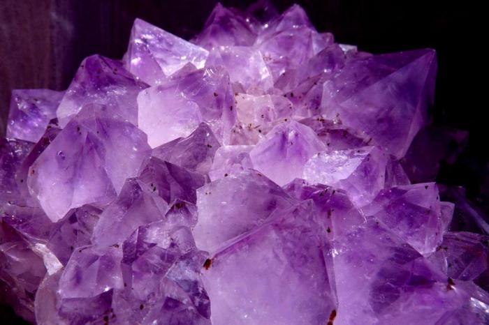 Какие 3 кристалла должны быть у каждого любителя йоги?