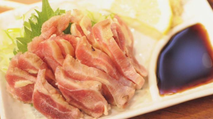 Куриное сашими: безопасно ли есть сырое мясо птицы?