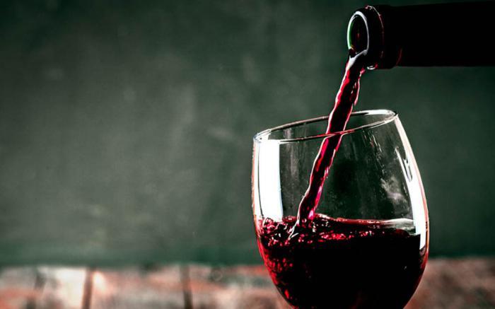 Почему порой не стоит отказывать себе в бокале вина? 10 веских причин
