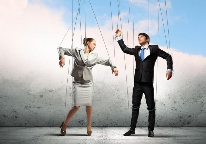 10 мощных психологических трюков, которые позволяют людям манипулировать друг другом