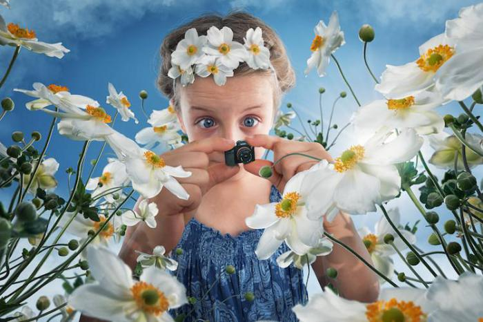 Креативный папа создает фантастические фото своих дочерей