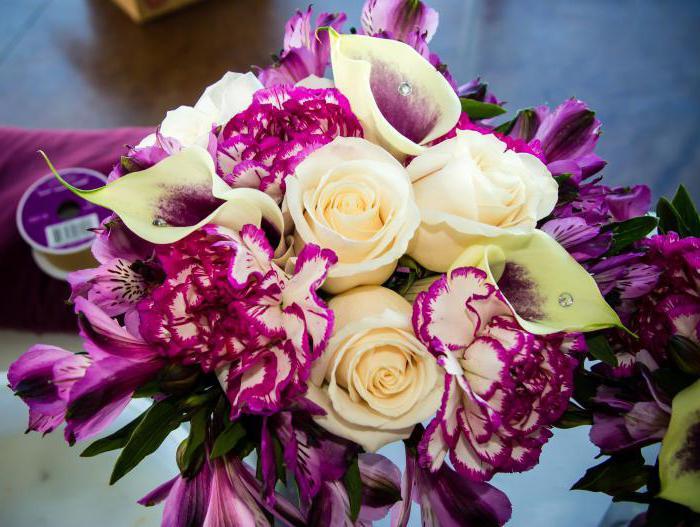Свадебные букеты из эустомы: символическое значение, особенности, варианты композиций