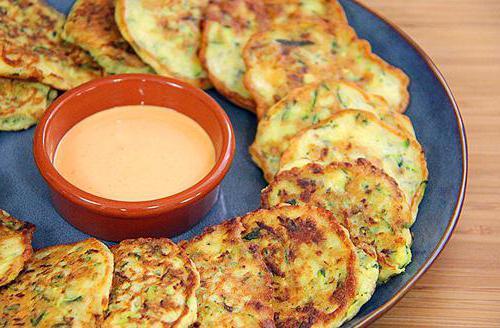 Оладьи кабачковые с сыром и чесноком: простые рецепты