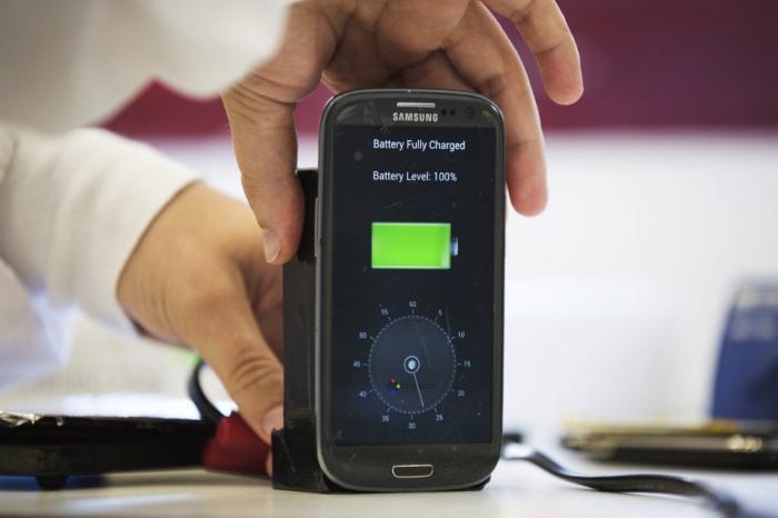 Хотели бы вы приобрести смартфон, работающий без батареи?