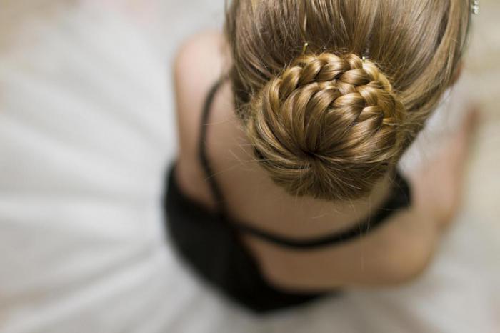 Почему ваши волосы кажутся жирными? 10 причин