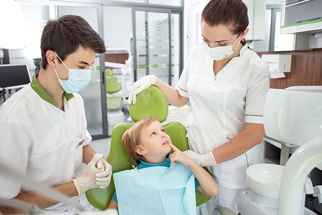 Что делает ассистент стоматолога