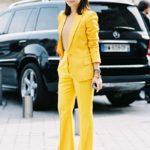 С чем сочетается желтый в одежде: правила и примеры