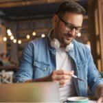 Профессия сценарист: где учиться, плюсы и минусы работы