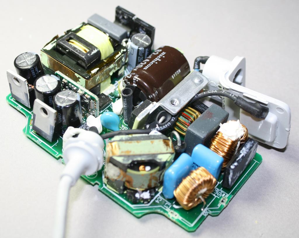Внутренности зарядного устройства