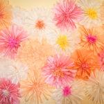 Огромный цветок из гофрированной бумаги своими руками: пошаговый мастер-класс