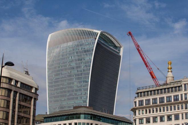 Проблема с эффектом ветра в небоскребе