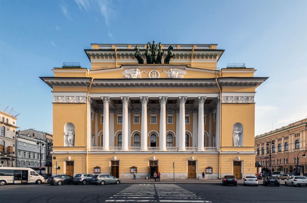 Александринский театр - место первой премьеры