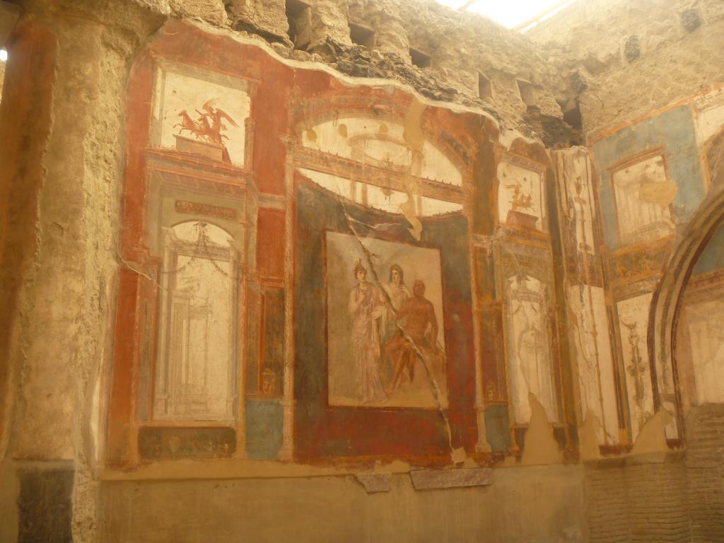 Роспись стен а архитектурном стиле