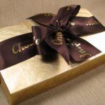 Что подарить подруге, у которой все есть? Идеи подарков на Новый год и день рождения