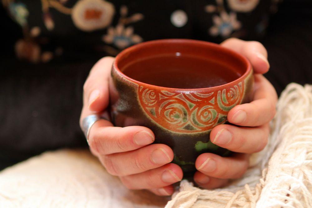 Отвар травяного чая для снятия головных болей