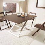 Складной механизм стола для дачи и дома