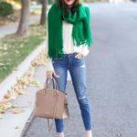 Зеленый шарф: с чем носить и с какими цветами сочетать