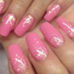Ногти розовые с блестками: интересные идеи, техника исполнения, фото