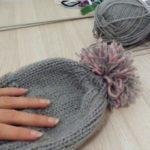 Китайская шапка вязаная спицами.