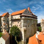 Замок Пернштейн: адрес, история и дата постройки, необычные случаи, фото и отзывы туристов