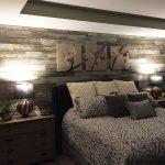 Ламинат на стене в спальне. Способы крепления и дизайн ламината на стене в спальне