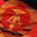 Флаг и герб ГДР: фото, описание и значение символов Восточной Германии