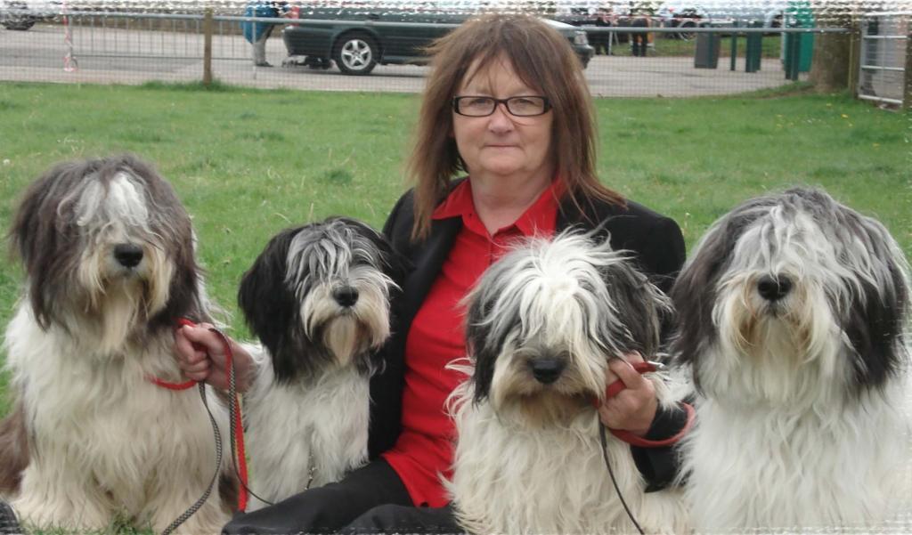 Заводчица с собаками