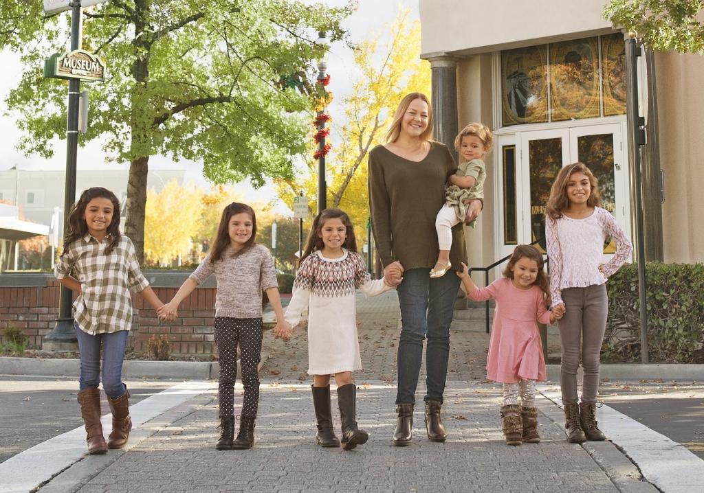 этапы адаптации приемного ребенка в семье