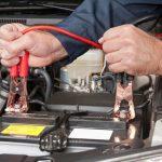 Каким напряжением заряжать автомобильный аккумулятор в домашних условиях