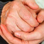 Постуральная неустойчивость при болезни Паркинсона: первые признаки, диагностика и лечение