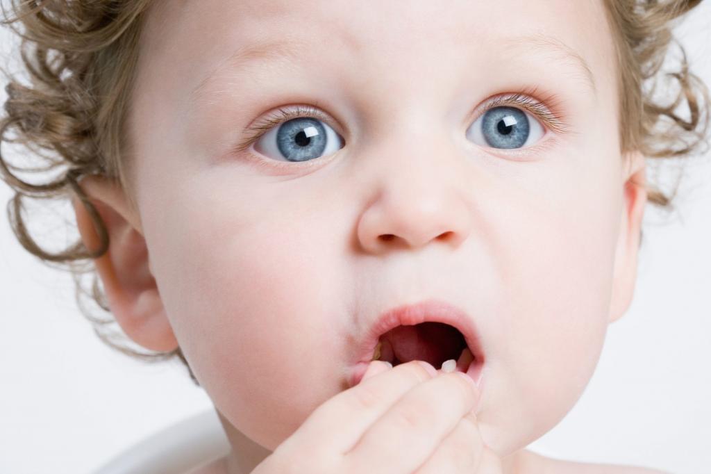 у ребенка плохо пахнет изо рта причины