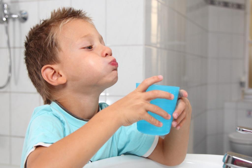 у ребенка плохо пахнет изо рта комаровский