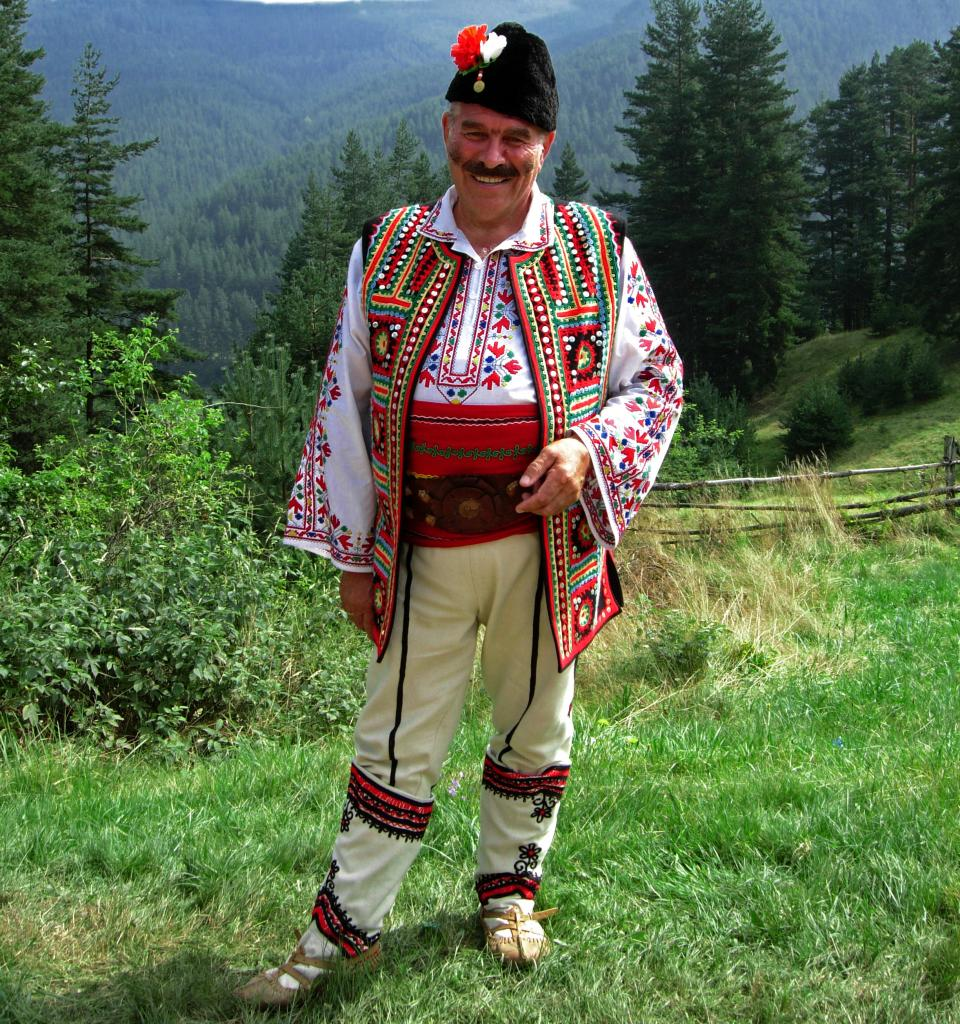 мужской костюм белодрешна