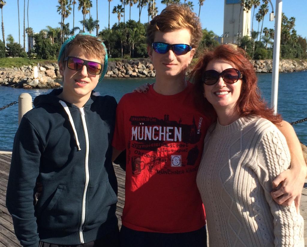 Марина Климова с сыновьями