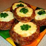 Мясные ватрушки: быстрое и вкусное блюдо