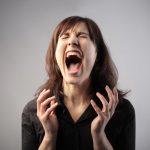 Истерический тип личности: причины, основные черты, особенности поведения