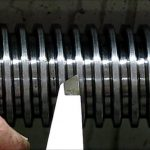 Плашкодержатель универсальный. Набор инструментов для нарезания наружной резьбы