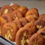 Пирожки с мясом на сковороде: рецепты теста, тонкости приготовления и варианты начинки