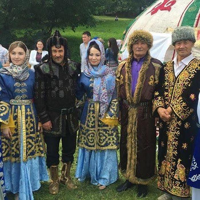 современные ногайцы в костюмах