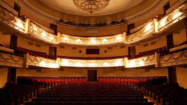 Театр имени Горького в Оренбурге
