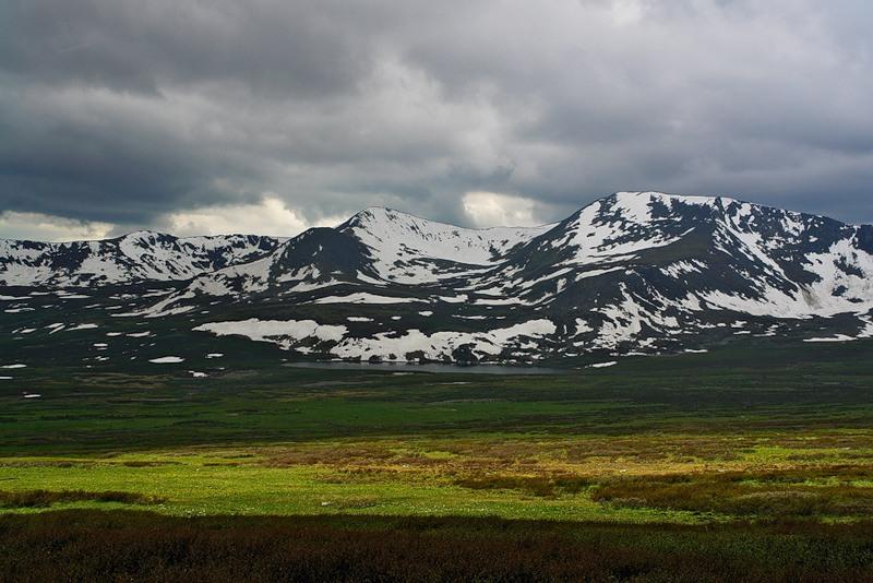 Где добывают нефрит в России - Теректинский хребет